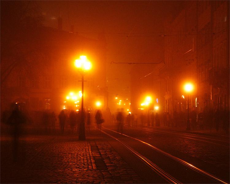 Вечірньо-туманний Львів © 2012 Alex Nedovizii