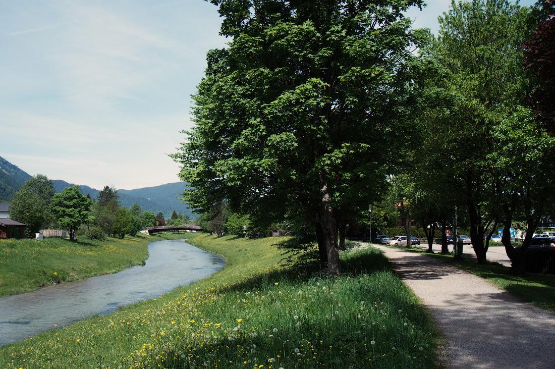 Ammer-Amper-Radweg. Oberammergau, Bayern, Deutschland © 2016 Alex Nedovizii