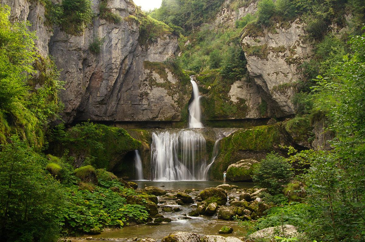Cascade de la Billaude, Franche-Comté, France © 2017 Alex Nedovizii