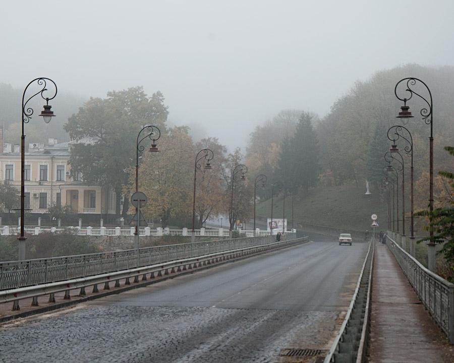 Троїцький міст в тумані. Україна, Кам'янець-Подільський © 2012 Alex Nedovizii
