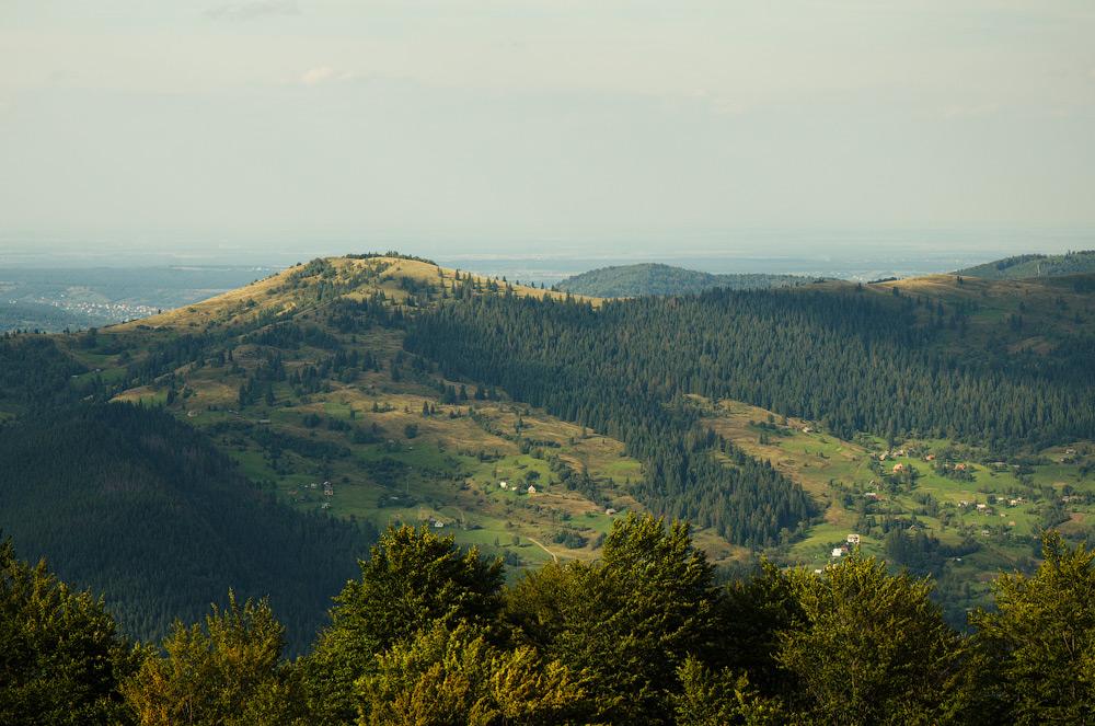 Хата моя високо... Карпати. Івано-Франківська обл, Україна. © 2014 Alex Nedovizii